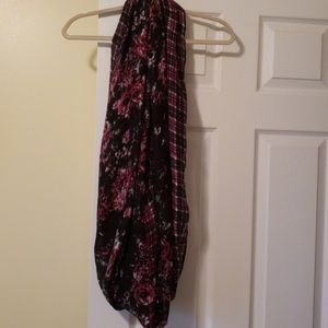 Infinity scarf Rose's and plaid